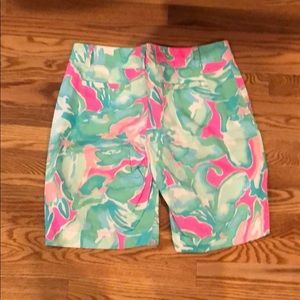 Lilly Pulitzer Shorts - Lilly Pulitzer like new Bermuda shorts size 6